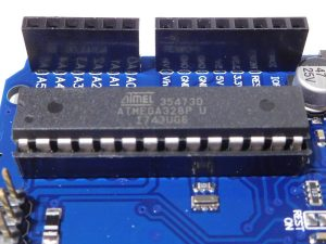 arduino uno r3 atmega16u2 4 300x225 - arduino_uno_r3_atmega16u2_4