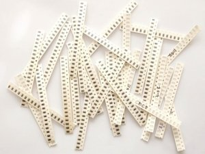 660 resistors 1206 1 300x225 - 660_resistors_1206_1