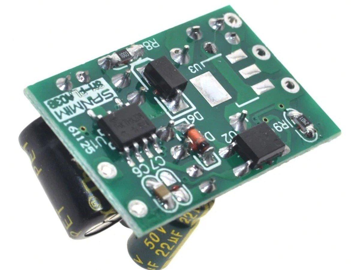 AC-DC Voltage Converter 85-265VAC to 5V – 700mA DC