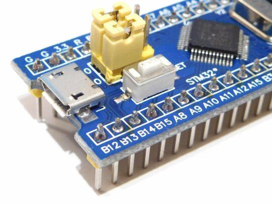 3 x STM32duino – Blue Pill with original STM32F103C8T6 – incl. ST-Link V2 compatible Programmer/Debugger