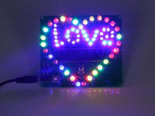 Computer controlled DIY Light Effect 'LOVE' with remote control