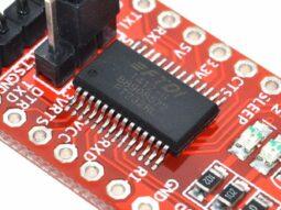 FTDI FT232RL USB-TTL serial adapter, 3.3V/5V operation