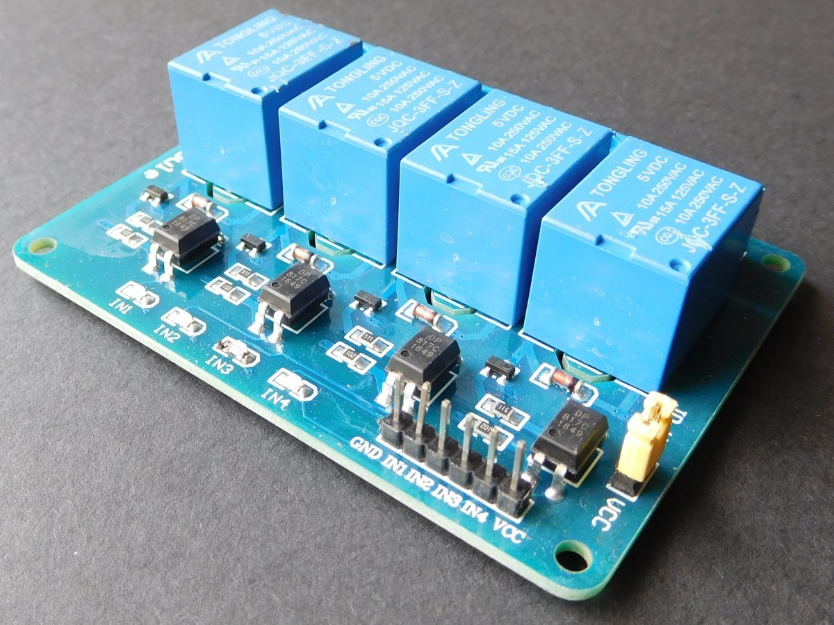 4 Relay Module 10A / 250V Opto-Isolated Inputs 3-24V for Arduino etc.